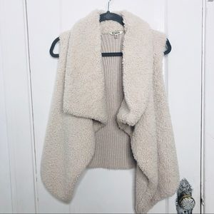 BB DAKOTA Vest XS Furry Sweater Vest Cream Fuzzy
